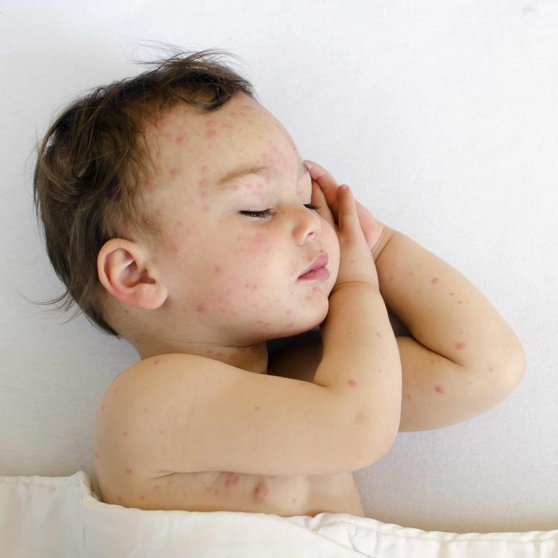 三个月宝宝晚上睡觉不踏实怎么办宝宝睡觉不踏实怎么回事