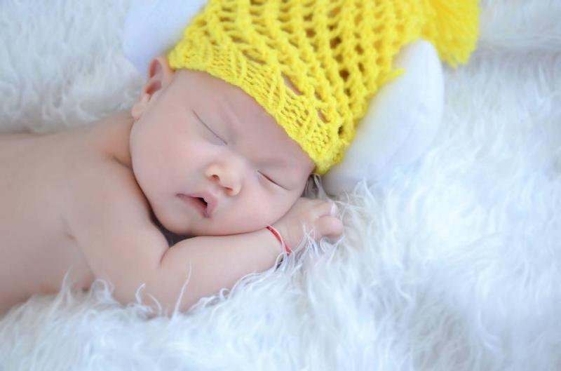 宝宝超过十点睡觉的危害怎样做能让宝宝早睡