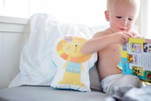 婴儿起疹子和发烧的区别有哪些为什么婴儿会起疹子