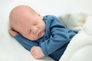 5个月的宝宝吃什么辅食好5个月的宝宝能吃多少辅食